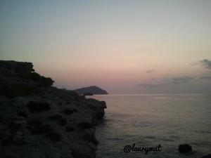 Amanecer en Los Escullos, Cabo de Gata. Foto de Laura Mateo.